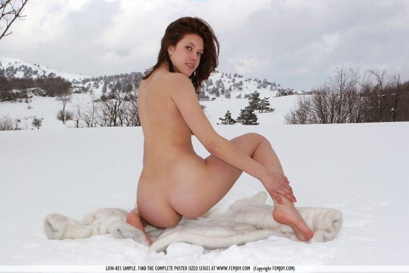 Naked For Fur 36