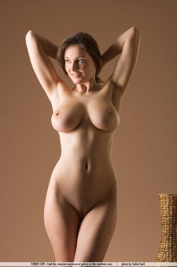 фото голых женщин до 30
